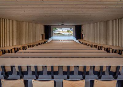 Marie-schweitzer-Amphitheatre-en-bois-250-places-18